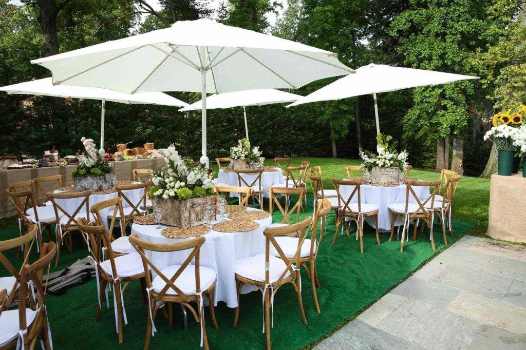 הפקת ועיצוב אירועים בבית, שולחנות וכסאות לאירועים